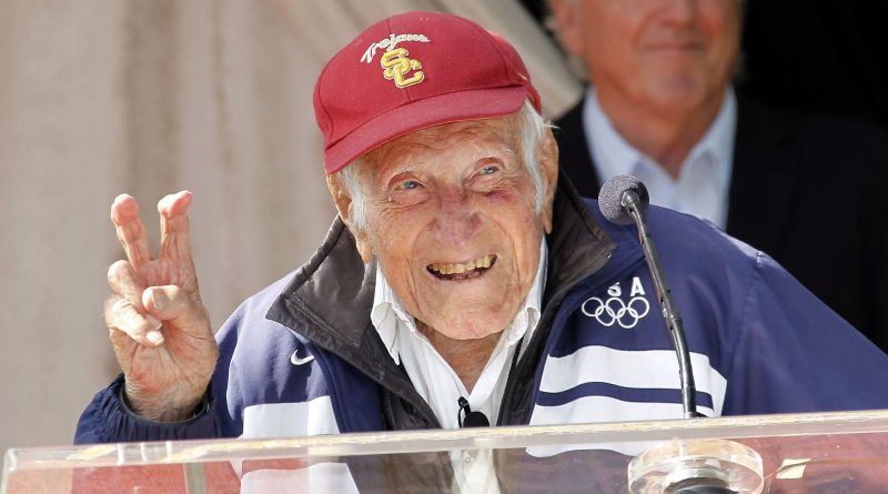How did Louis Zamperini die cause of death age of death
